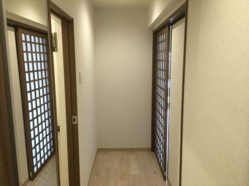 チサンマンション広島のリフォーム工事後の廊下の写真です