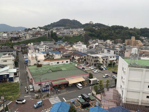 ライオンズマンション西霞町第2のバルコニーからの眺望の写真です