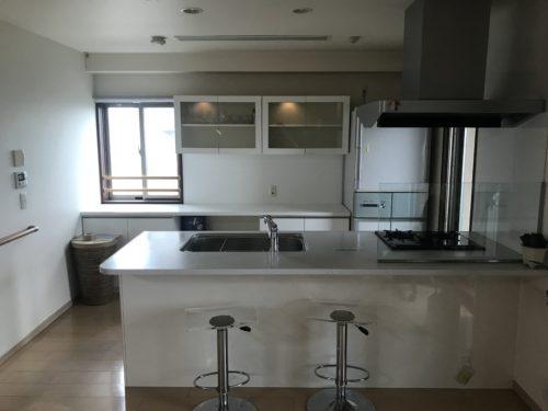 ルミナス三川町の対面キッチンの写真です