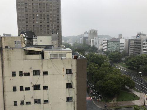 ルミナス三川町の室内から平和大通り東方向を撮影